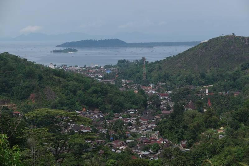 Pemandangan Kota Sibolga dilihat dari atas bukit